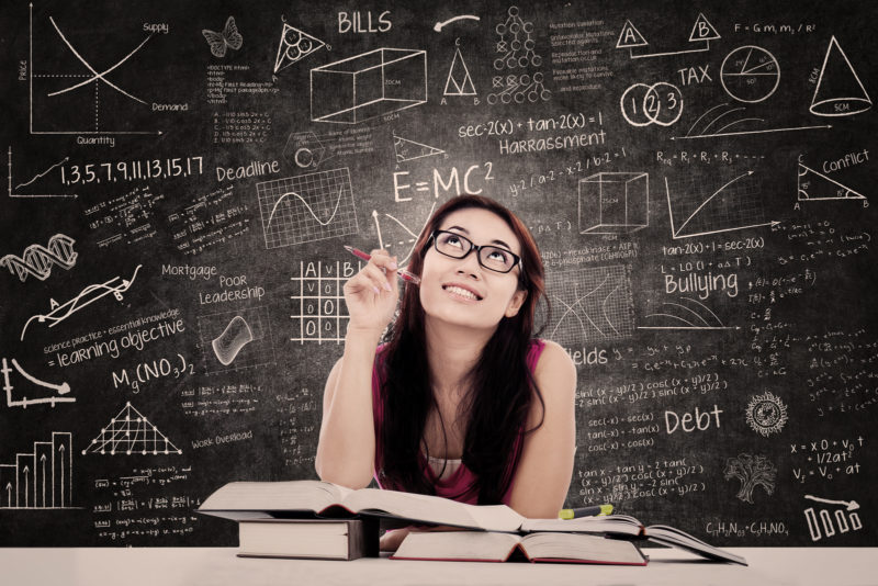 Persona empleando técnicas de estudio