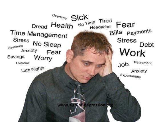 Persona con ansiedad y muchas ideas negativas provocadoras de ansiedad